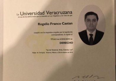 Hace un mes se tituló el Secretario de Gobierno de Veracruz